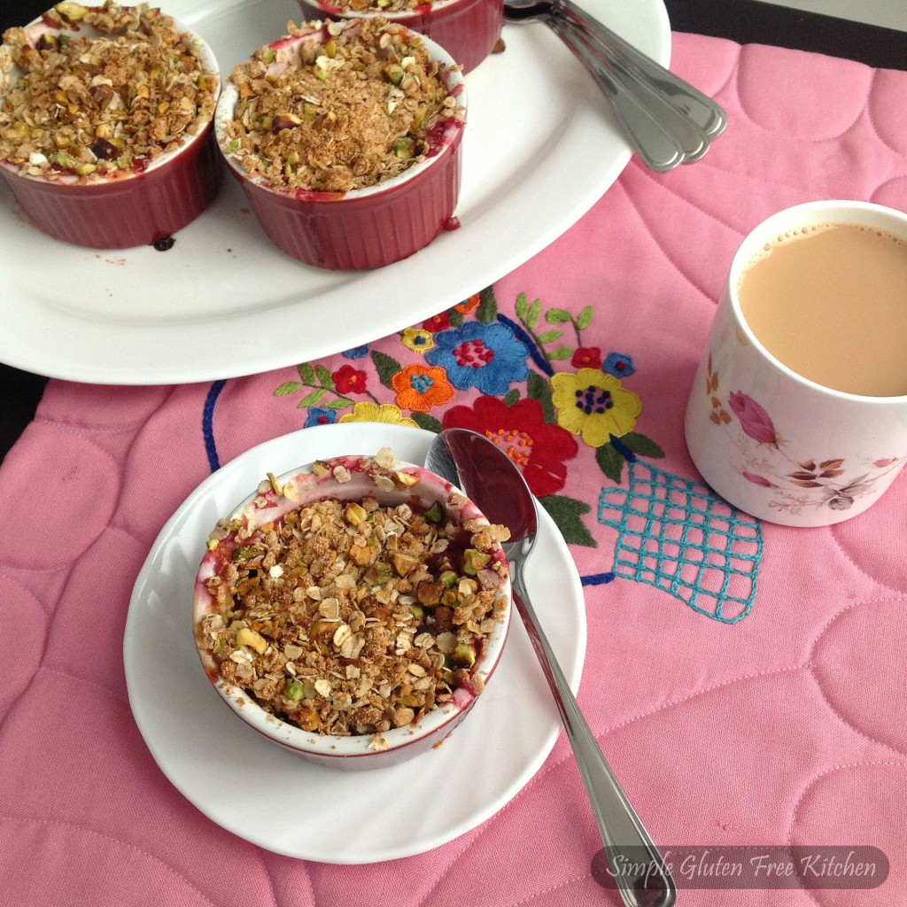 Ginger plum crumble