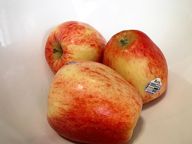 Caramelized Apples with Pistachio Yogurt Cream – Simple ...